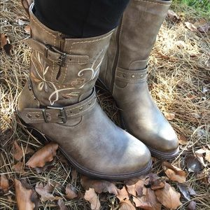 Charlie Paige Boots